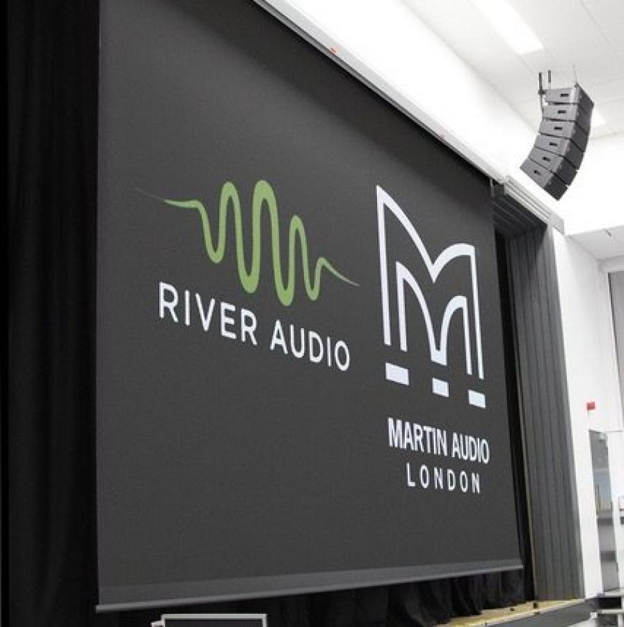 Martin Audio Line Array